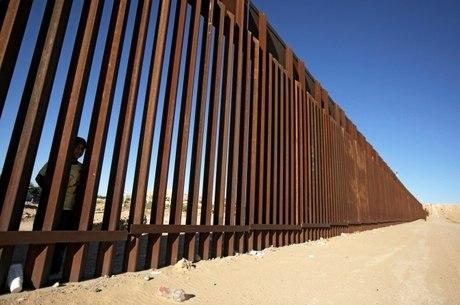 11.804 pessoas esperam resposta no México