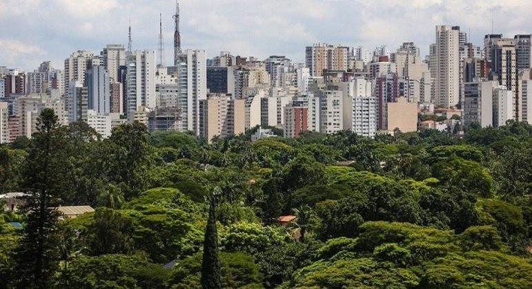 Prédios em São Paulo. Imóveis residenciais fecham 2020 com alta de 3,7%
