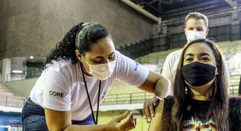 Inauguração posto de vacinação em Campo Grande, no Rio de Janeiro (RJ)