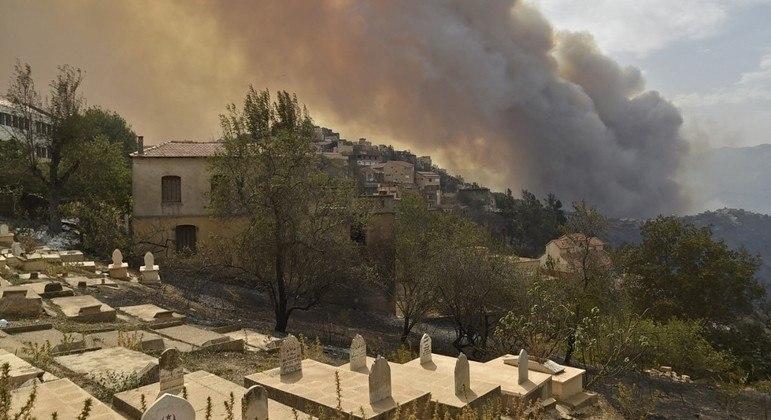 Incêndios também têm origem criminosa, afirma autoridades argelinas