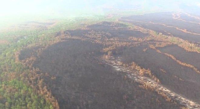 Imagens aéreas mostram a extensão dos focos de incêndio na Sibéria