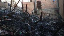 Incêndio atinge dez casas em comunidade na zona leste de SP