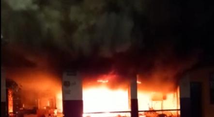 Imagem mostra a intensidade do fogo