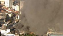 SP: bombeiros combatem incêndio de grandes proporções em outlet