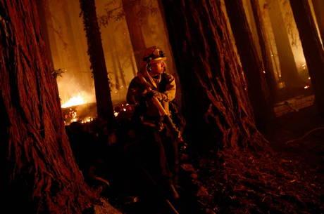 Pelo menos 6 pessoas morreram nos incêndios