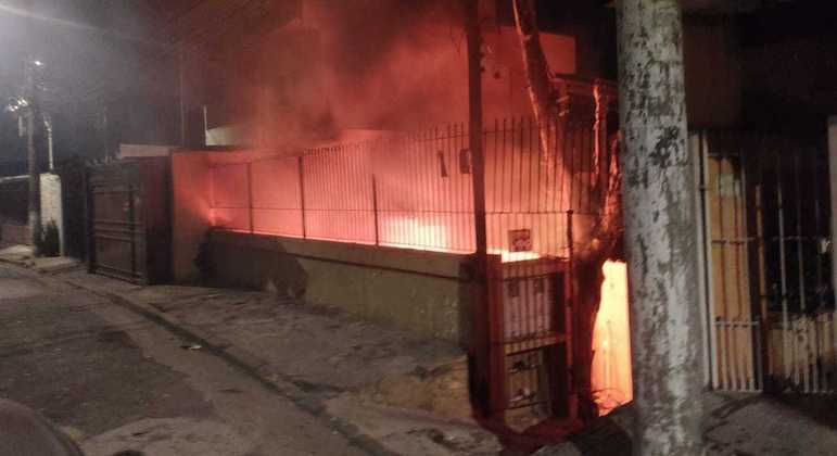Discussão entre primos termina em incêndio de casa em Pirituba, zona norte de SP