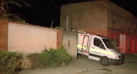 Suspeito morreu no local junto com as duas crianças