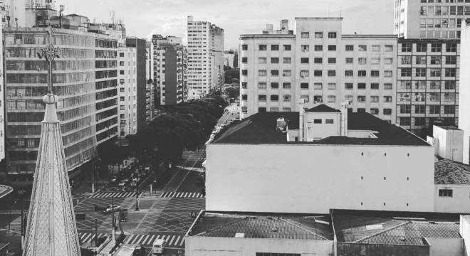 Foto publicada por Ricardo mostra a vista de janela do prédio que desabou