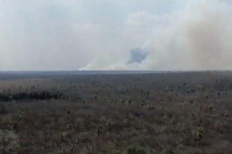 Incêndio segue destruindo o cerrado paraguaio