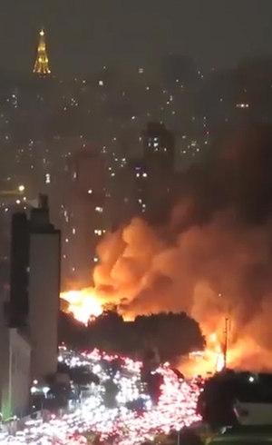 Incêndio provocou congestionamento na radial Leste
