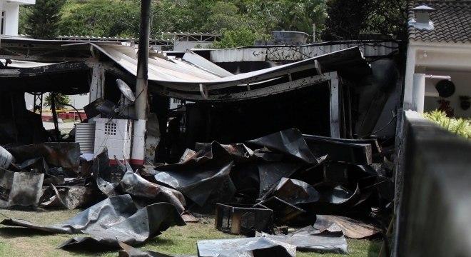 Alojamento que foi incendiado no Ninho do Urubu
