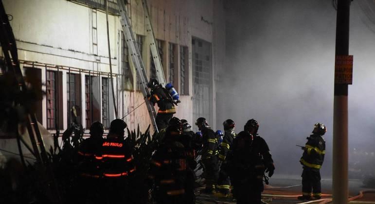 Incêndio atinge galpão da Cinemateca em São Paulo
