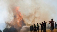 Grécia: incêndios florestais tiram milhares de pessoas de suas casas