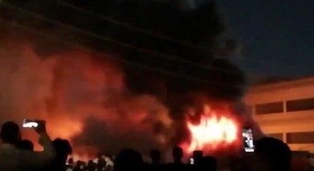 Incêndio tomou conta de um hospital no Iraque