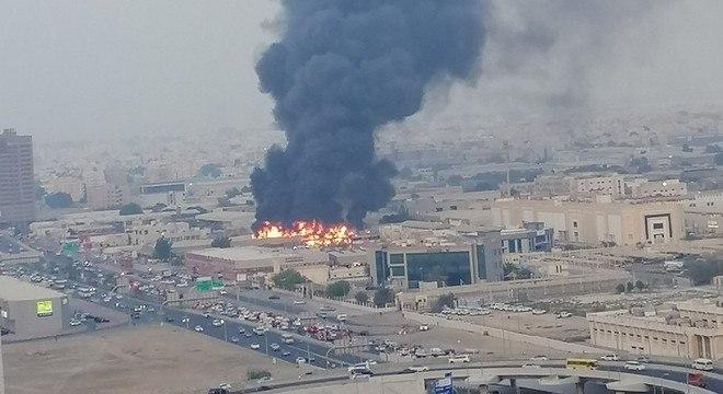 Incêndio atinge  mercado em Amjan, nos Emirados Árabes