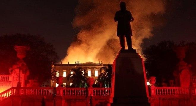 Incêndio do Museu Nacional foi o sexto em um prédio da UFRJ