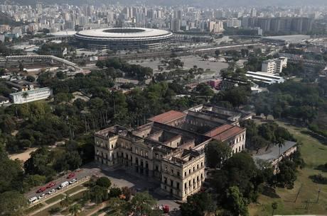 Museu Nacional foi atingido por um incêndio