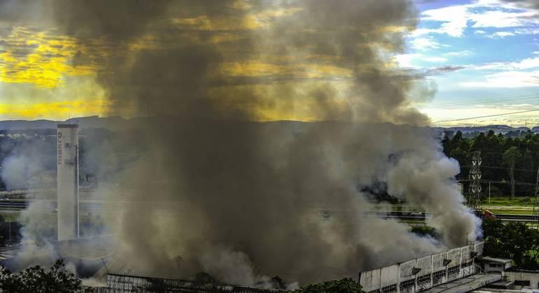Incêndio no Makro de São José dos Campos