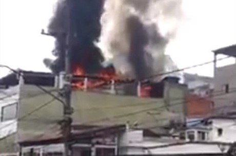Incêndio foi gravado por moradores da região