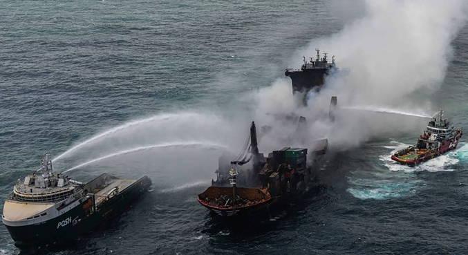 Sri Lanka controla incêndio em cargueiro após 13 dias