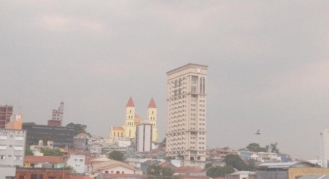 Tempo fechado na região da Penha, na zona leste de São Paulo (SP)
