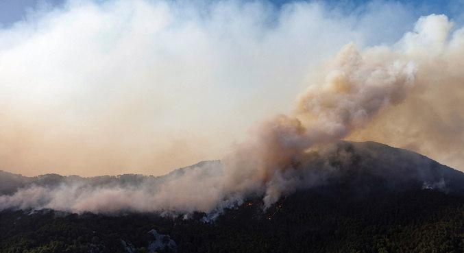 Incêndios deixaram pelo menos 8 mortos no país
