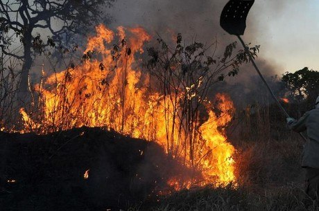 Maiores focos de calor estão ao longo do Rio Pantanal