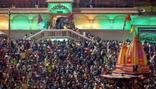 Índia registra recorde de 200 mil casos de covid em 24 horas