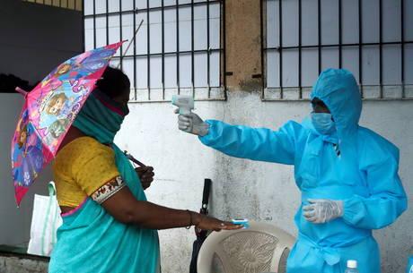 Índia se torna 3º país com mais casos de covid