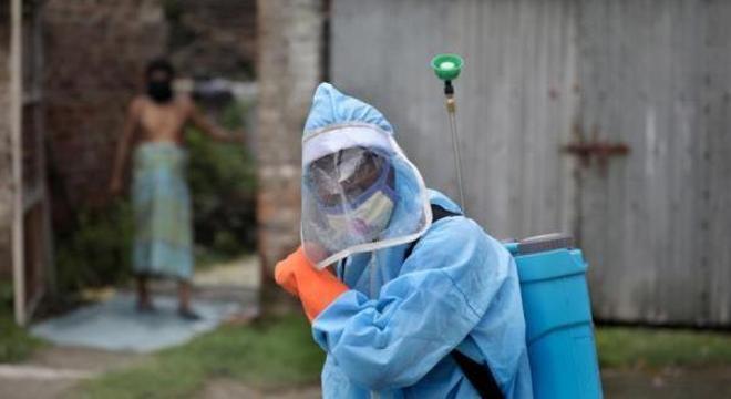 País tem 62.538 infecções detectadas diariamente