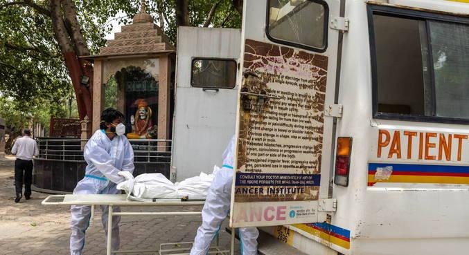 Índia tem novo recorde de mortes por covid após revisão em estado