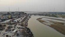 Dezenas de corpos de possíveis vítimas da covid aparecem na Índia