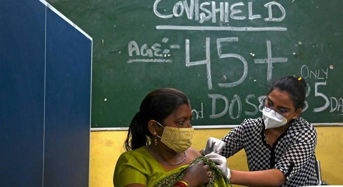 Vacinas contra a covid-19 serão distribuídas gratuitamente na Índia