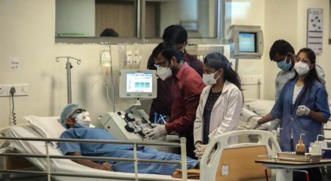 Índia tem uma baixa taxa de mortalidade, apesar dos casos crescentes
