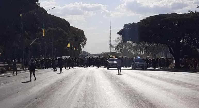 Segundo a Polícia Legislativa, há cerca de 3 mil indígenas na manifestação em Brasília
