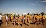 Os povos indígenas se instalaram em Brasília na última segunda-feira (22) e devem ficar até sábado (28)