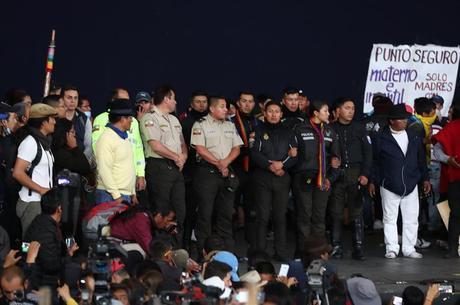 Agente diz que reféns não foram agredidos