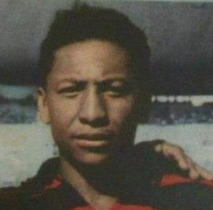 Índio foi um dos grandes atacantes do Flamengo e nasceu em Cabedelo, na Paraíba. Jogou no clube de 1951 a 1957 conquistando mais de uma dezena de títulos.
