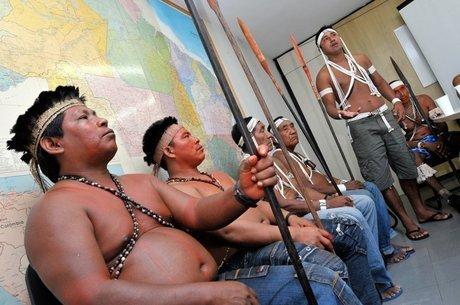 Indígenas do Vale do Javari se reúnem com servidores da Funai; expedição ao território Korubo divide lideranças de outros povos