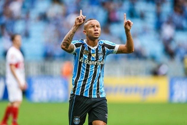 Indo para o Sul do país, o Grêmio ganha R$ 12,9 milhões da Banrisul, empresa que também patrocina o rival Internacional.