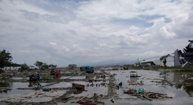 Terremoto deixou um rastro gigantesco de destruição pelo país
