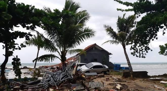 Número de mortos por desastre chega a 222, com mais de 700 feridos