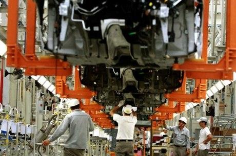 Faturamento da indústria caiu 6,3%