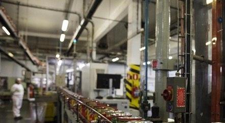 Confiança industrial tem queda na prévia de janeiro