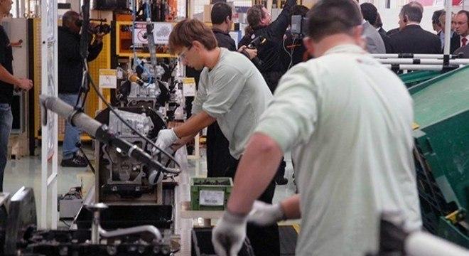 Indústria foi o setor mais afetado por impacto do coronavírus sobre negócios