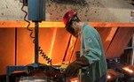 Indústria, produção industrial, metalúrgica, PIB, economia