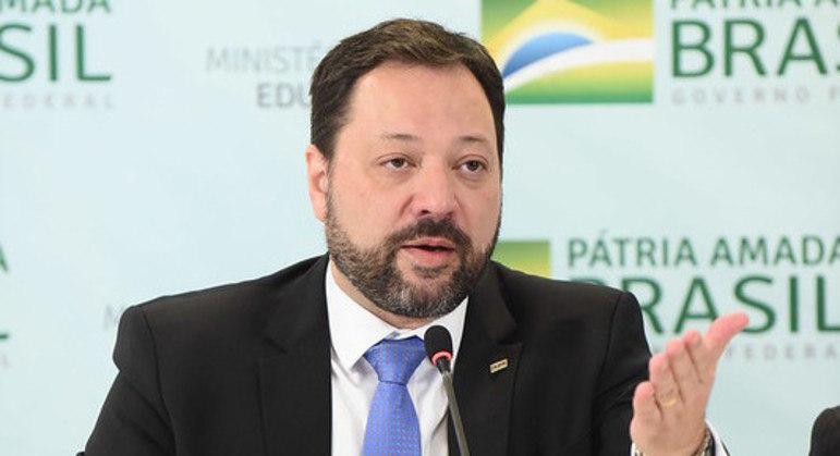 Lopes teve sua exoneração publicada no Diário Oficial desta sexta (26)