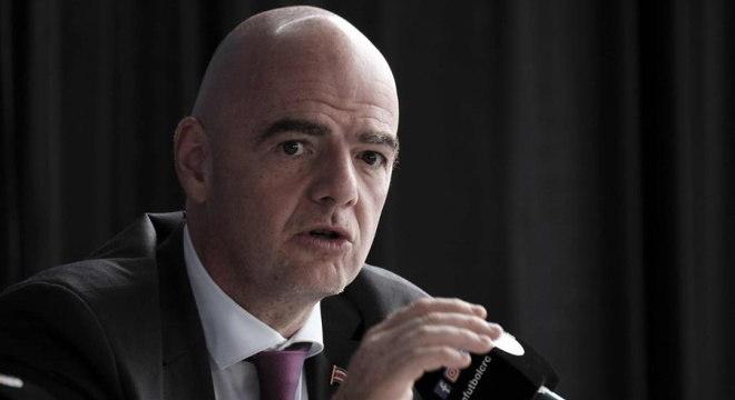 Infantino é presidente da Fifa e está sofrendo processo na Suíça