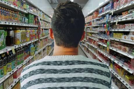Proposta quer fechar supermercados aos domingos