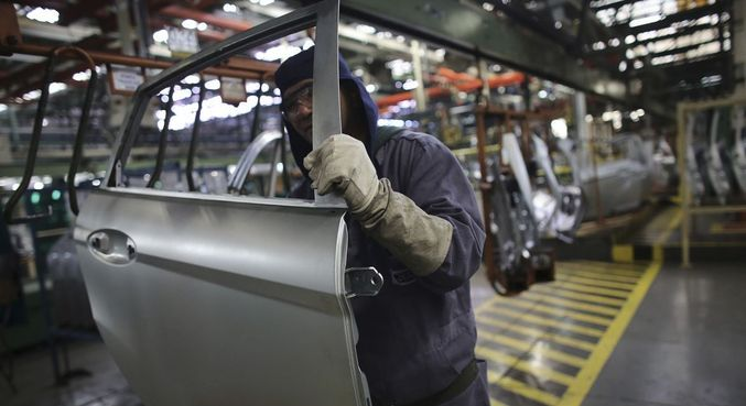 Falta de componentes, em especial de semicondutores, trava produção
